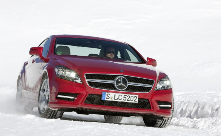Mercedes CLS 4Matic в снегу