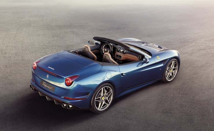 Синяя Ferrari California T