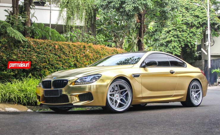 Золотая BMW M6 Vossen Wheels