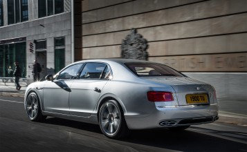 2014 Bentley Flying Spur вид сзади