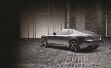Aston Martin DB9 GT Bond Edition