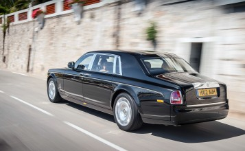 Phantom Extended Wheelbase вид сзади