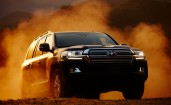Toyota Land Cruiser 2016 в пыли